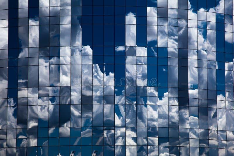 Отражения облака стоковая фотография