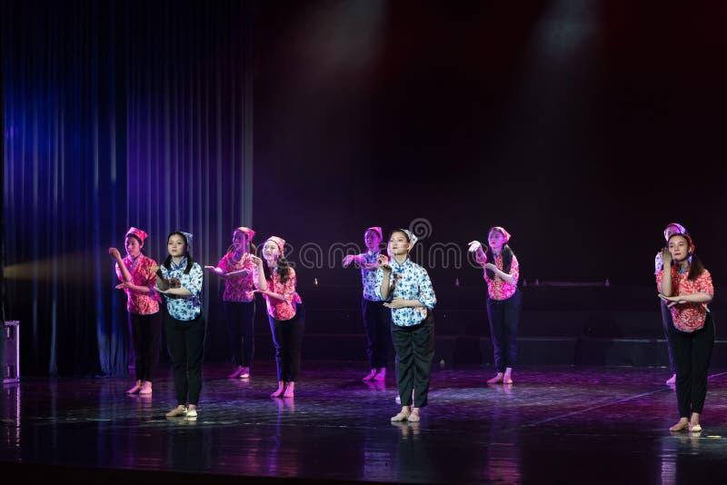 Драма танца языкового курса языка жестов 3-Lilac стоковые изображения