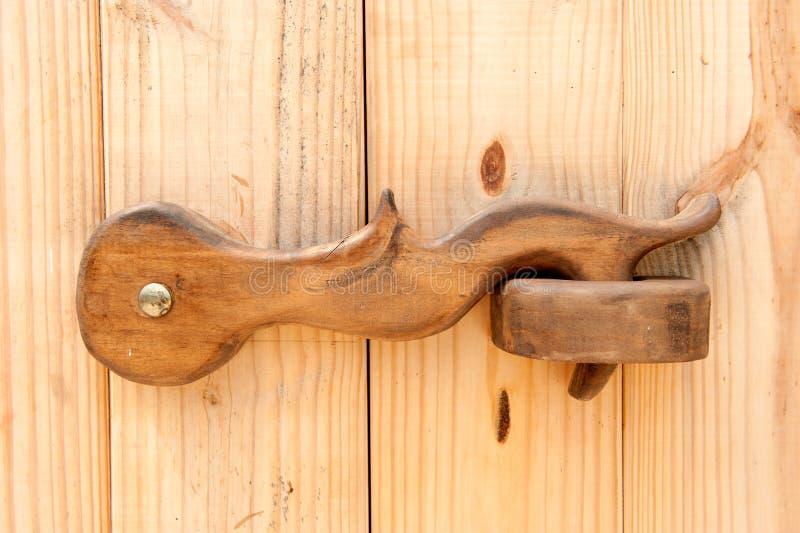 древесина защелки двери стоковые изображения rf