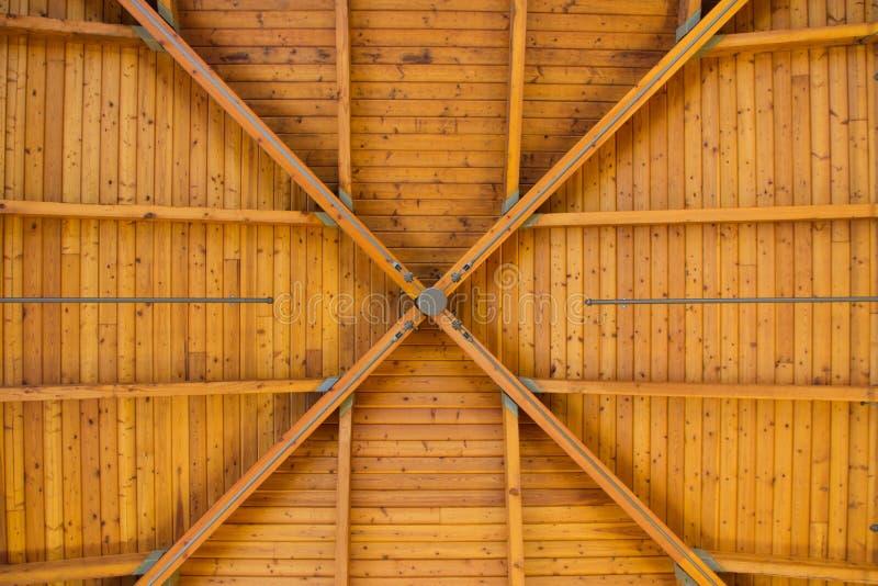 древесина картины абстрактного потолка высокая стоковые фотографии rf