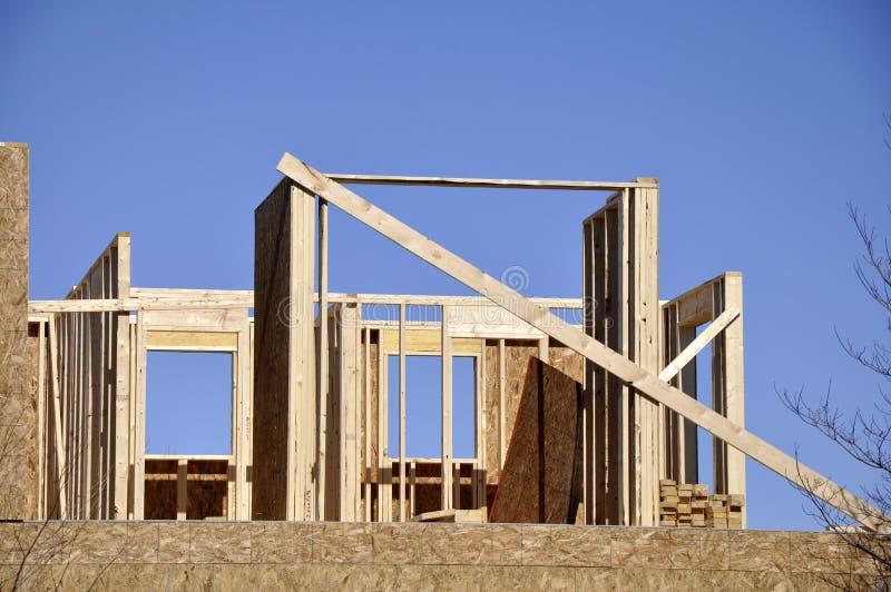 древесина конструкции обрамляя домашняя стоковое фото rf