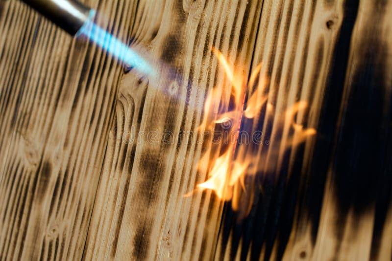 Древесина пламени горелки стоковая фотография rf