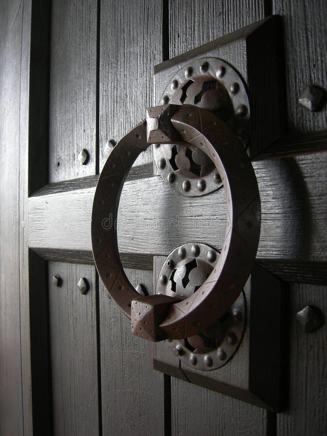 древесина ручки двери старая стоковая фотография rf