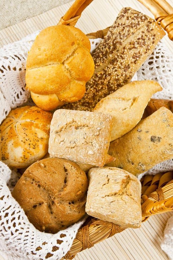 древесина хлеба корзины стоковое изображение