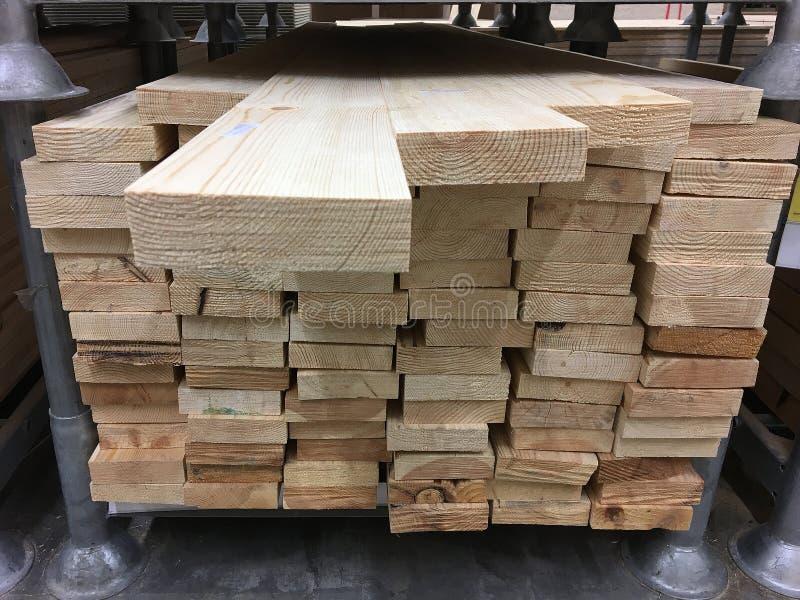Древесина хранится в складе стоковая фотография rf