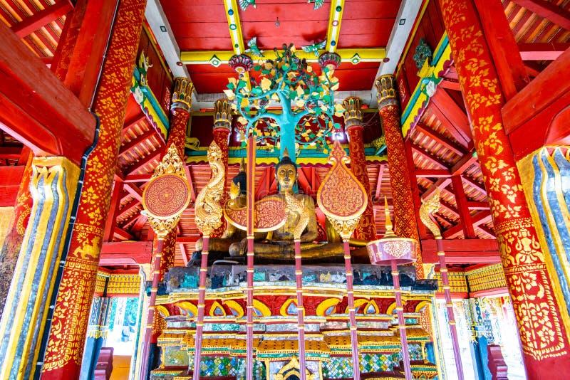Древний Будда в храме Понг Санук стоковое изображение