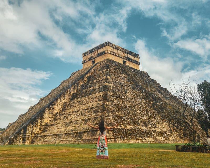 Древний город Chichen Itza на дождливый день, Юкатан, Мексики стоковые изображения rf