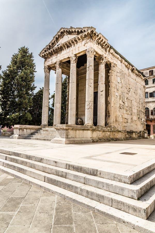 Древний храм Augustus-пул, Хорватии стоковые изображения