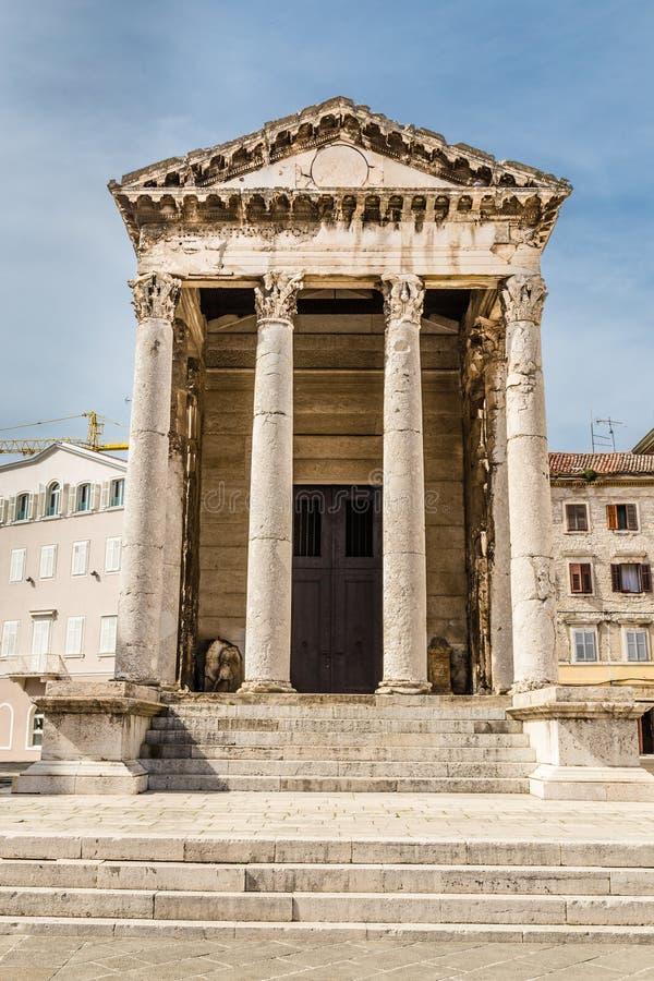Древний храм Augustus-пул, Хорватии стоковые изображения rf