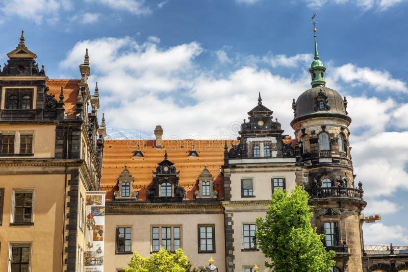 Дрезден, Германия, 05/10/2017 Красивая архитектура старого города на предпосылке яркого неба на солнечный день стоковое фото