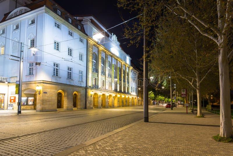 Дрезден, Германия - 19-ое апреля 2019: Красивая архитектура старого городка в Дрездене вечером, Саксония r стоковое изображение rf