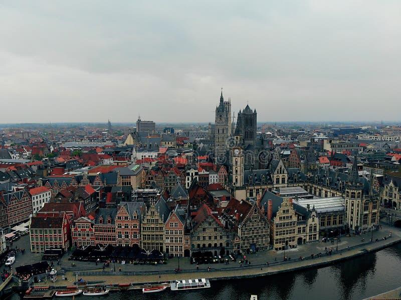 Другая точка зрения в красивом городе Gent Европейская страна с большими гражданами истории и вида Фотография трутня Созданный стоковая фотография rf