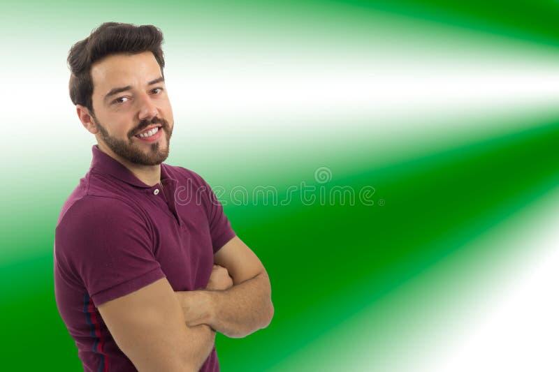Дружелюбный человек усмехается Красивая и бородатая персона Он wea стоковая фотография rf