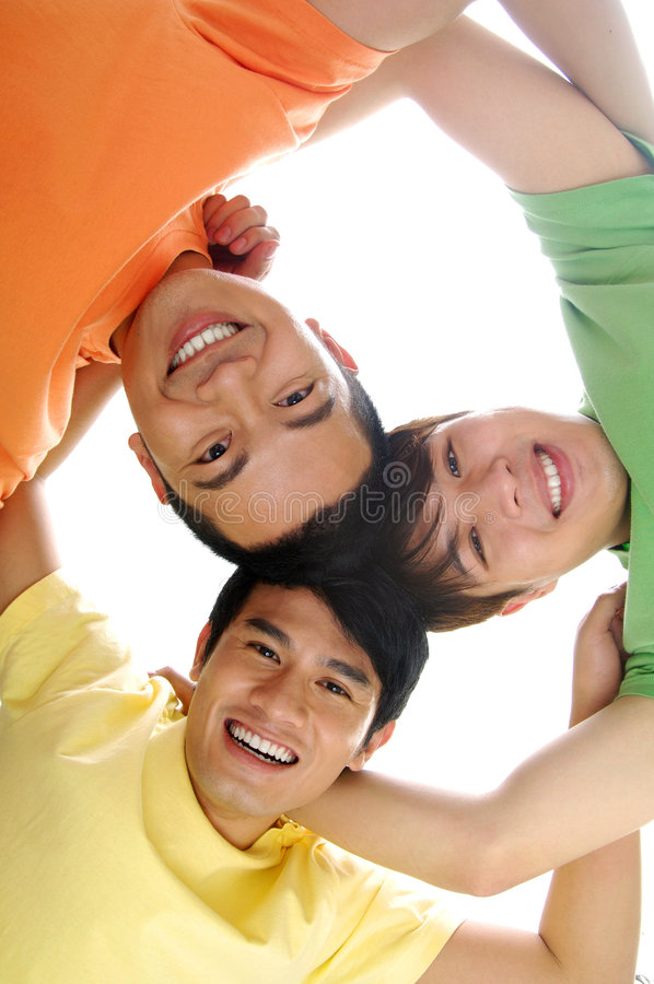 друзья счастливые стоковые изображения rf