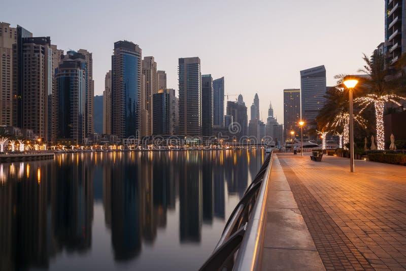 Дубай на утре стоковые фото
