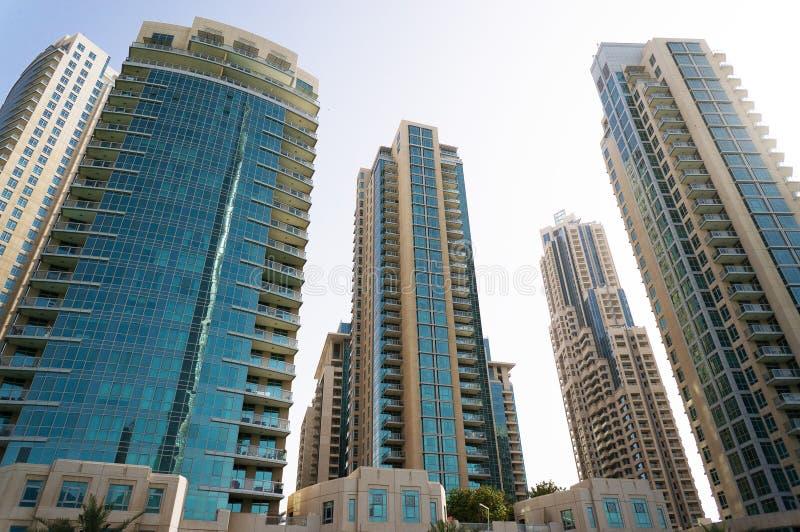 Дубай, ОАЭ - 15-ое января 2016: Небоскребы в центре города Дубай, ОАЭ Современные небоскребы в центре города стоковые изображения rf