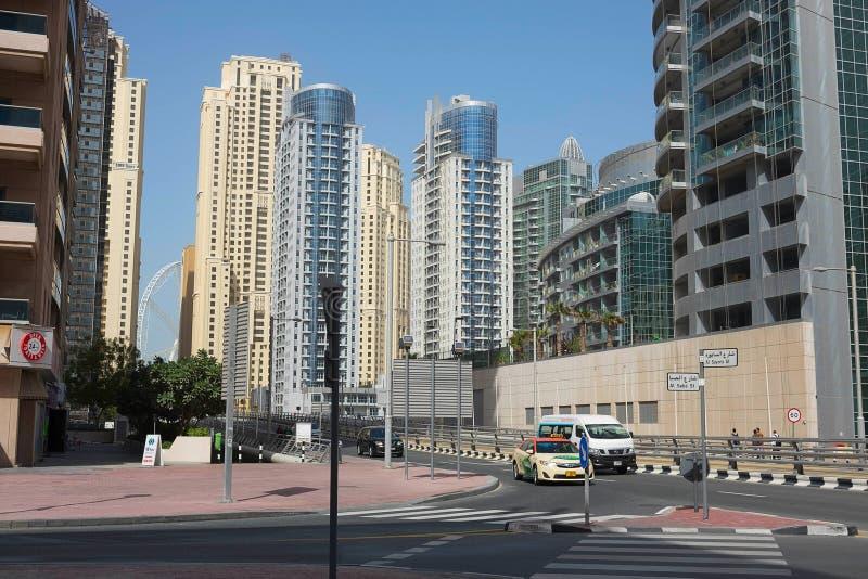 ДУБАЙ, ОАЭ - 22-ОЕ ЯНВАРЯ 2018: Современные здания в Марине Дубай, Дубай, ОАЭ стоковые изображения