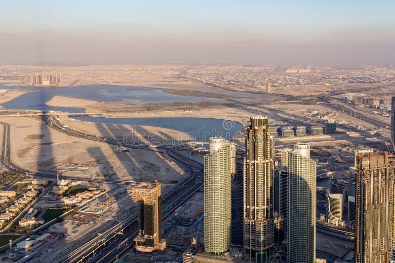 Дубай, Объениненные Арабские Эмираты - 10-ое марта 2019: Панорама и вид с в стоковые изображения rf