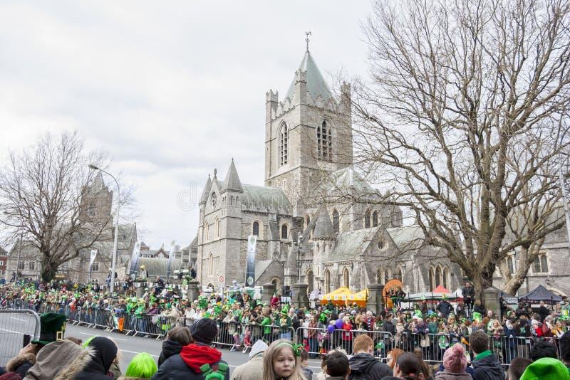 ДУБЛИН, ИРЛАНДИЯ - 17-ОЕ МАРТА: Парад дня St. Patrick в Дублине стоковое фото rf