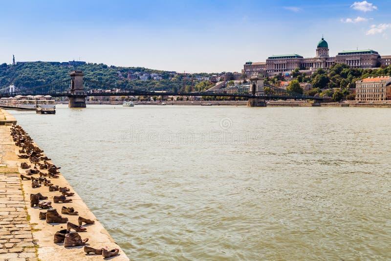 Дунай и ориентир ориентиры в Будапеште стоковая фотография
