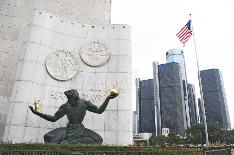 Дух статуи Детройта и центра ренессанса стоковые фотографии rf