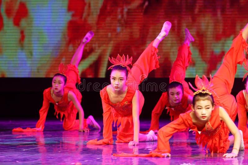 Дух танца ` s детей испытания академии танца Пекина огня сортируя выставки Цзянси достижения выдающего уча стоковые изображения