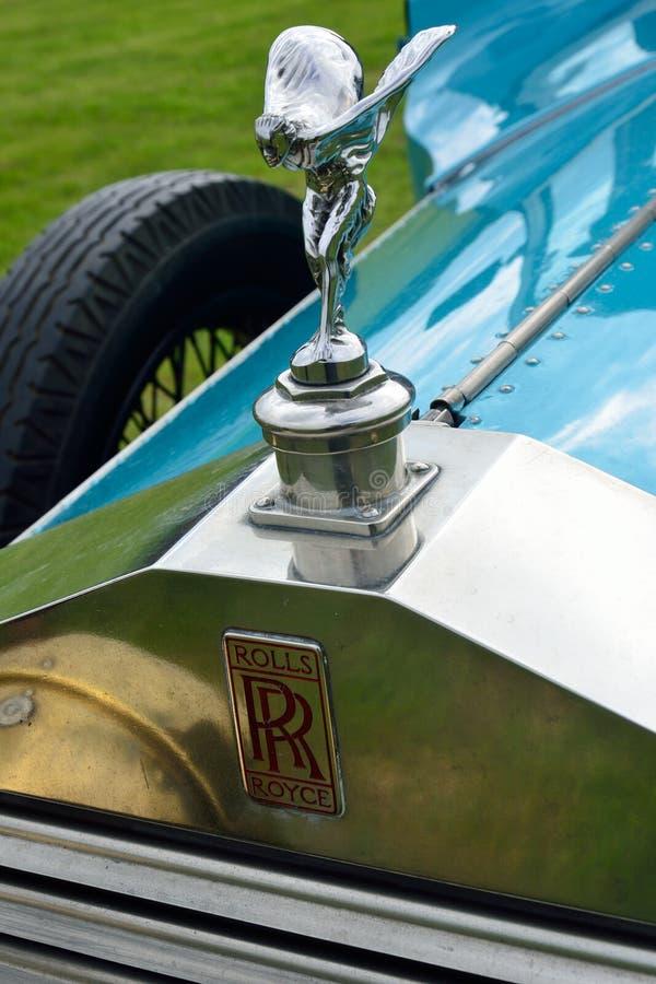 Дух эмблемы экстаза на Rolls Royce с радиатором стоковое фото