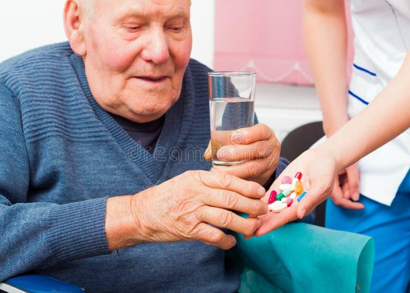 Душевная болезнь в пожилых людях стоковая фотография rf
