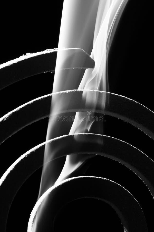 Дым в черноте стоковые фотографии rf