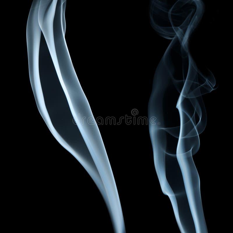 дым предпосылки черный голубой стоковая фотография