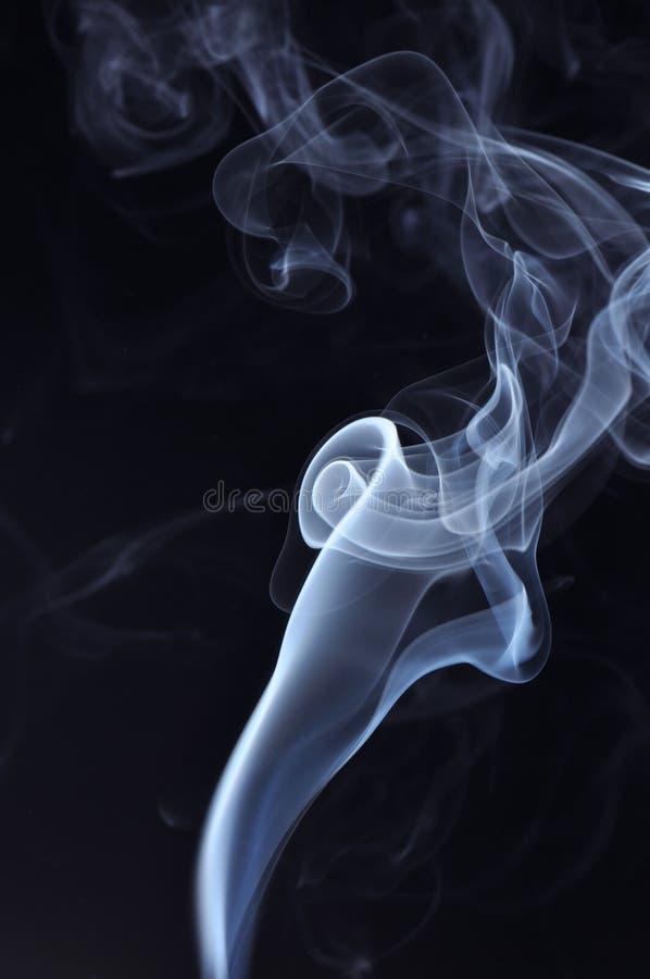 дым предпосылки черный голубой стоковое фото rf