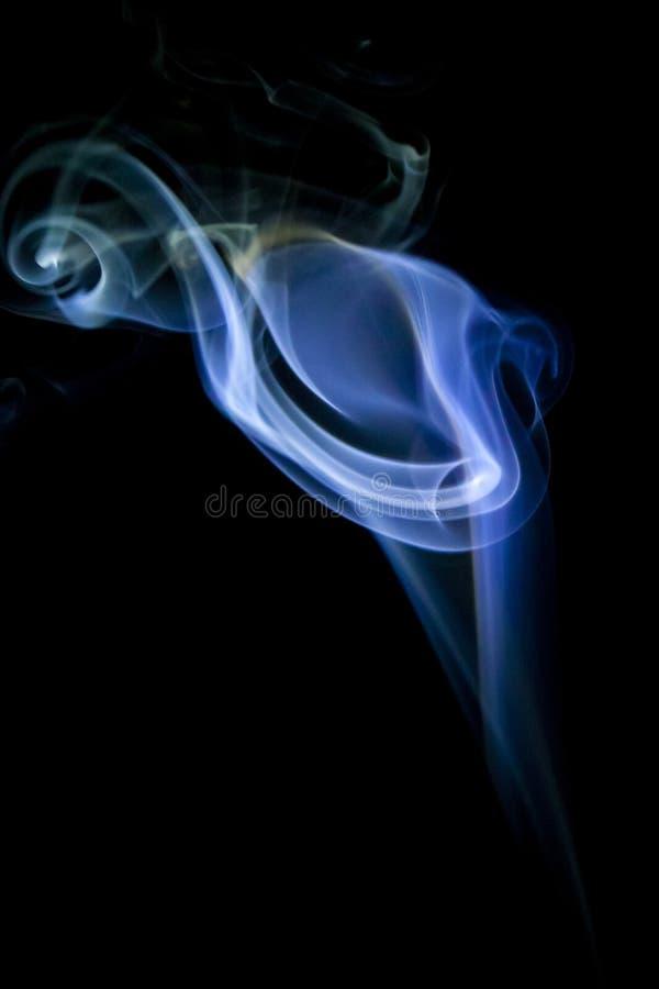 Дым сигареты стоковые фотографии rf