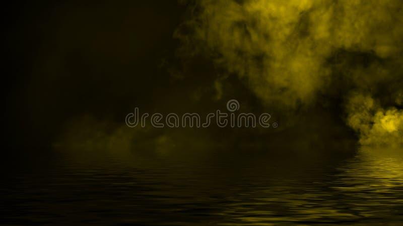 Дым с отражением в воде Предпосылка верхних слоев текстуры тумана тайны стоковые фотографии rf