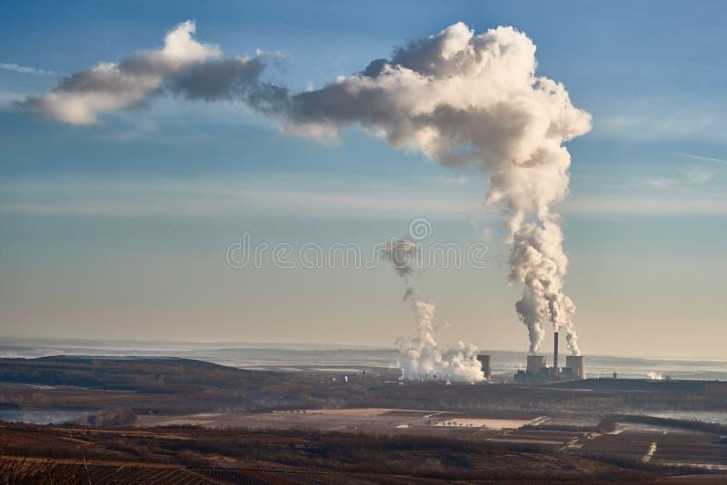 Дым электростанции стоковые изображения