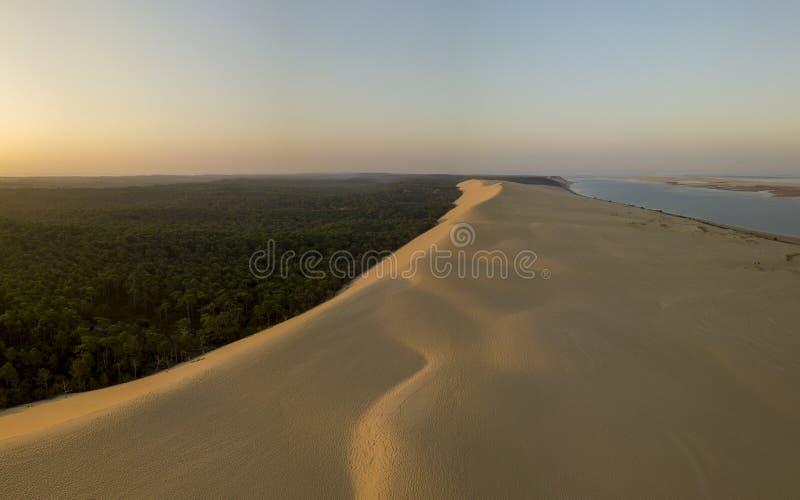 Дюна вида с воздуха Pilate, Франции самая большая песочная пустыня в Европе стоковое фото