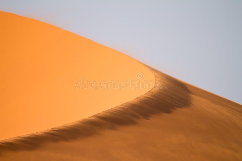 Download дюна стоковое фото. изображение насчитывающей напольно - 18386908