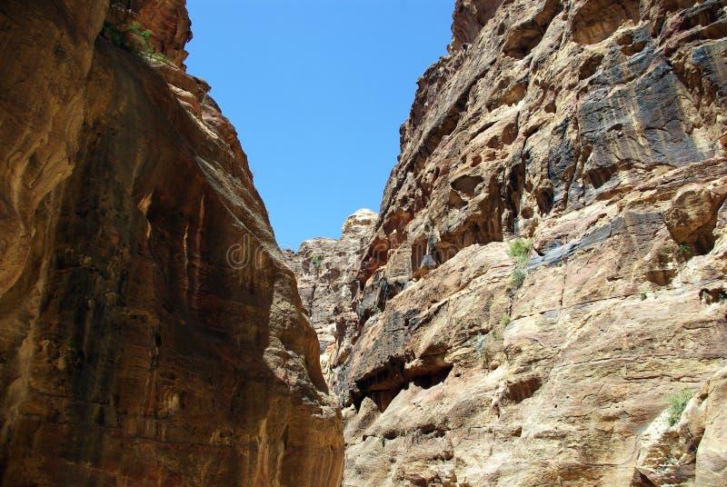 Длинный путь к Petra Иордан стоковые изображения rf