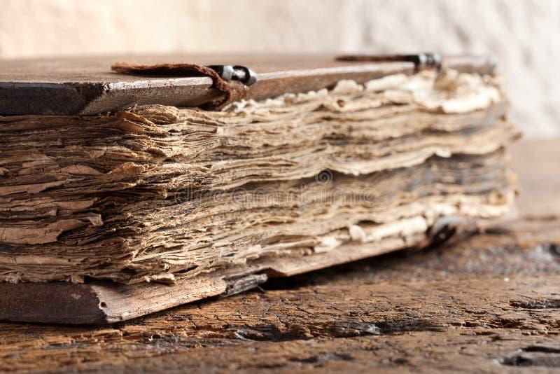 Евангелие книги старое стоковое фото