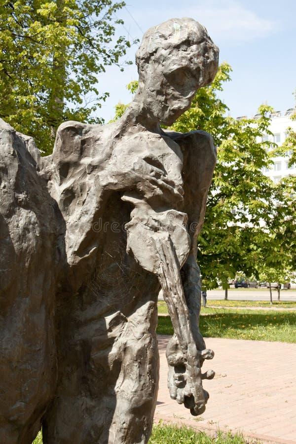 Еврейский скрипач. Мемориал холокоста в Минске, Беларуси стоковое изображение rf