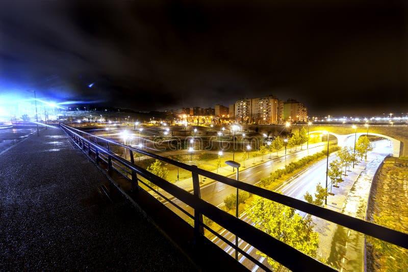 Европейский городской пейзаж на ноче Сарагоса стоковое изображение