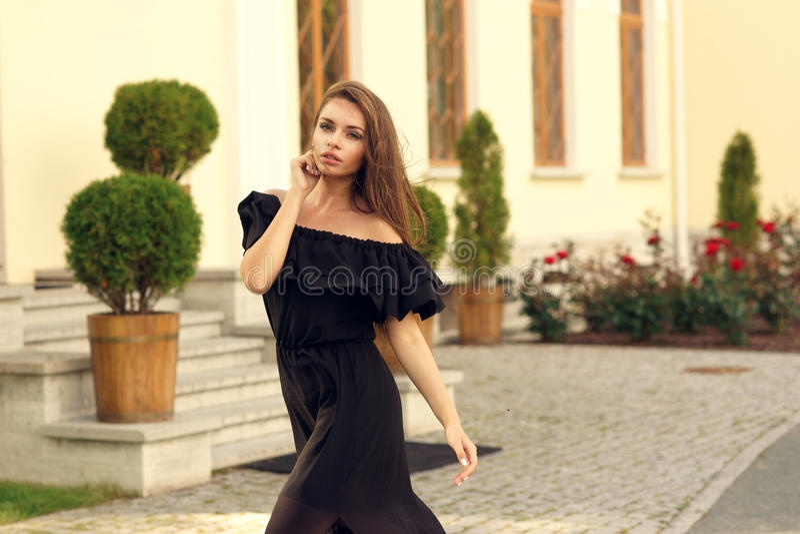 девушка довольно стильная стоковое фото rf