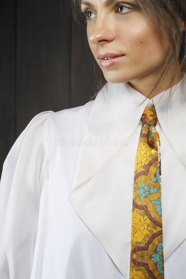 девушка привлекательных одежд модная стоковые изображения