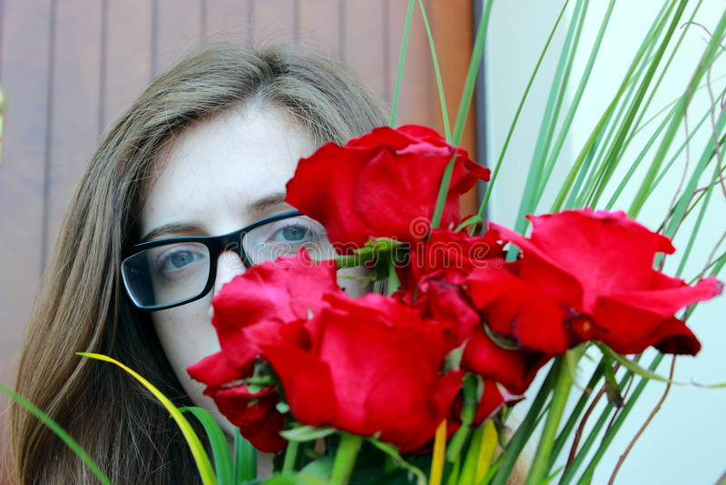 Download девушка стоковое фото. изображение насчитывающей цветки - 41660694