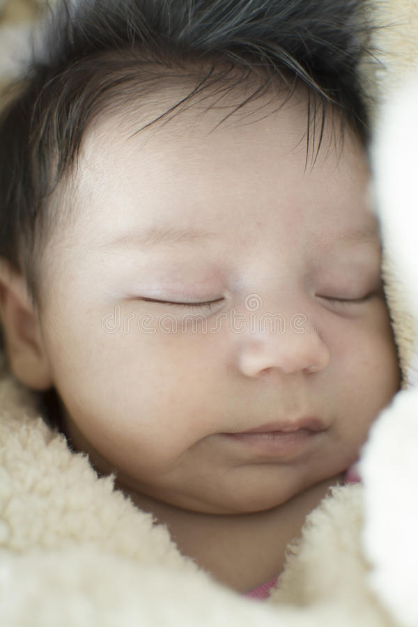 девушка newborn стоковое фото