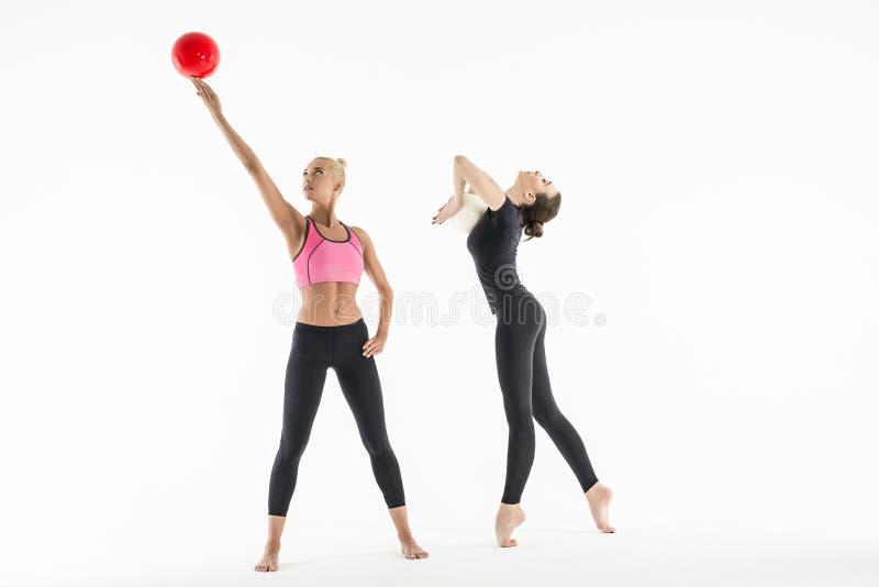 2 девушки с шариками стоковое фото