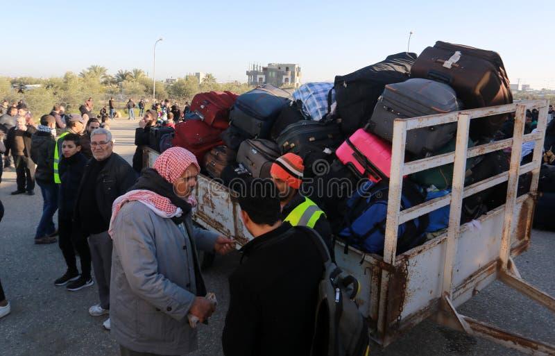 Египетские власти открывают заново единственное скрещивание пассажира между Газа и Египтом в обоих направлениях сегодня стоковое изображение rf