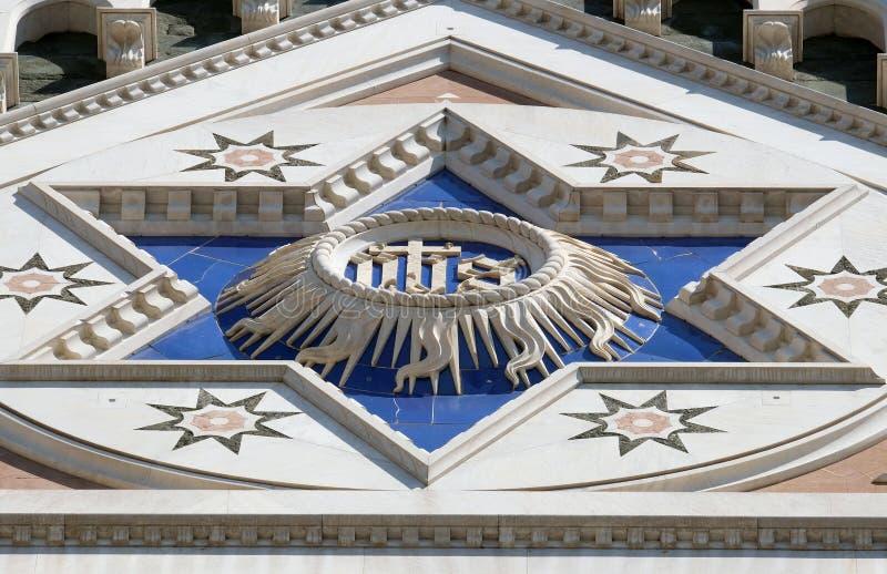 ЕГО знак, di Santa Croce базилики - известная францисканская церковь в Флоренсе стоковые фото