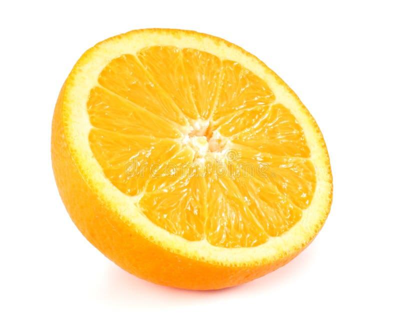 еда здоровая Отрезанный апельсин на белой предпосылке стоковая фотография rf