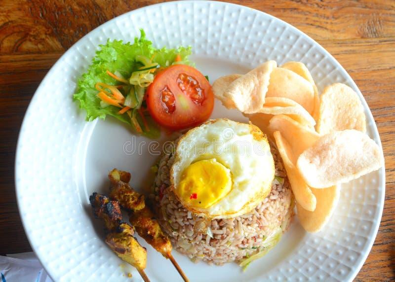 Еда индонезийца Nasi Goreng стоковое фото