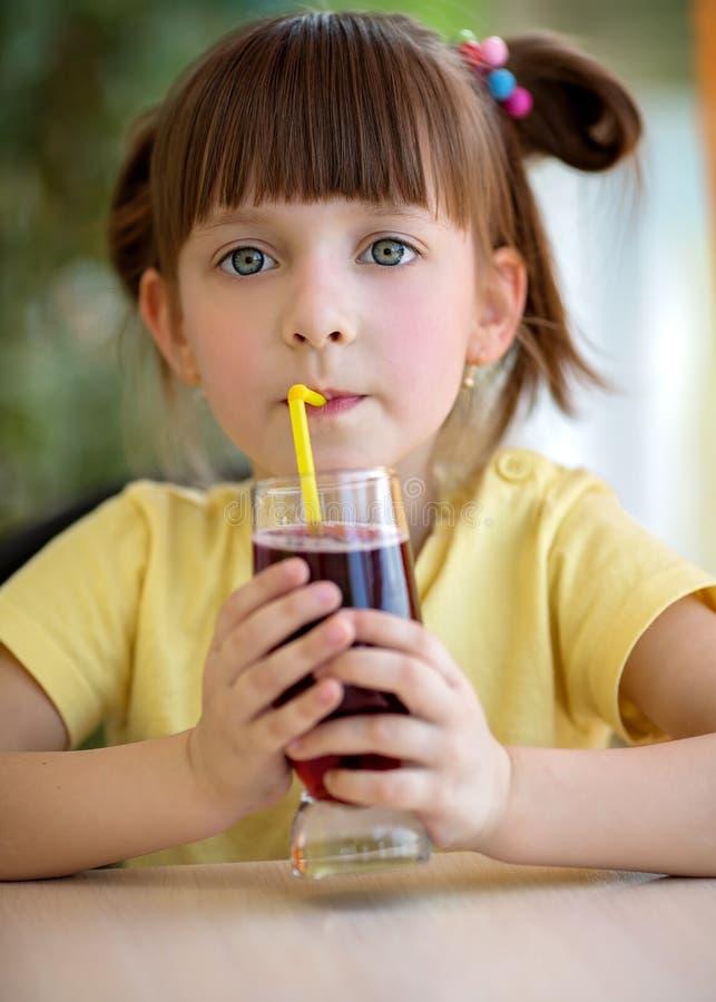 Еда и принципиальная схема питья стоковые изображения